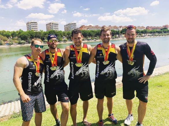 5_Drachenboot-Club-Crew_Europameisterrschaft-2019_SEVILLA_Lucas-Kern_in-der-Mitte